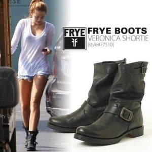 New leather gray Frye Veronica short boots 7.5